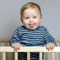 Los bebés aprenden a tener sentido del humor de sus padres