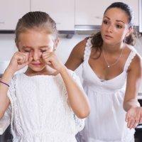 Las hijas de madres estrictas tendrán más éxito