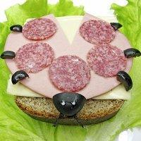 Sandwiches divertidos con jamón y queso