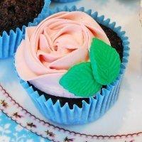 Cupcake con forma de rosa para el Día de la Madre