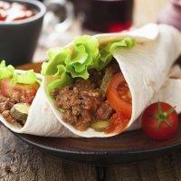 Burritos con carne picada. Receta mexicana para niños