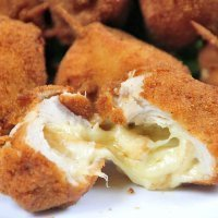 Bolitas de pollo y queso. Recetas fáciles para niños