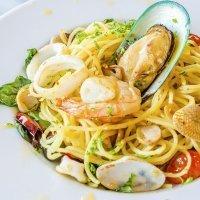 Spaghetti frutti di mare. Receta de pasta con marisco