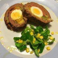 Receta de pastel de carne picada relleno de verduras y huevo