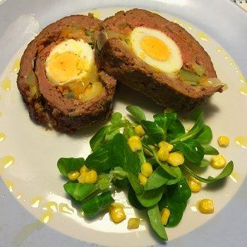 Carne rellena de huevo