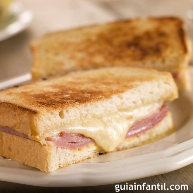 Sandwich mixto frito. Recetas rápidas para niños