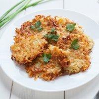 Receta de latkes o buñuelos de patata