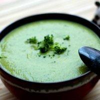 Crema de aguacate, calabacín y brócoli. Recetas sanas para niños