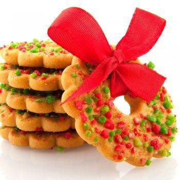 Coronas navideñas de galleta y almendra