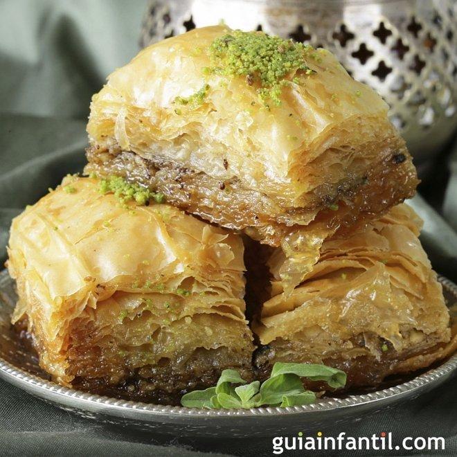 Baklava. Receta dulce tradicional árabe