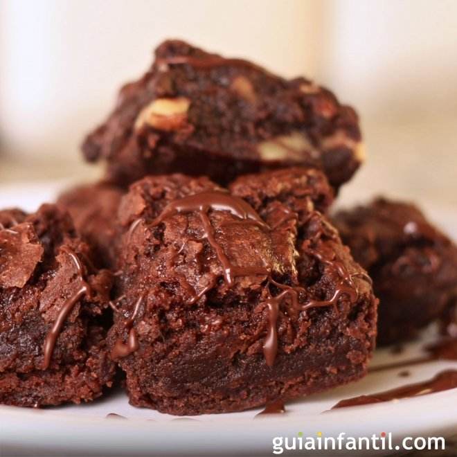 Brownie de chocolate clásico para niños