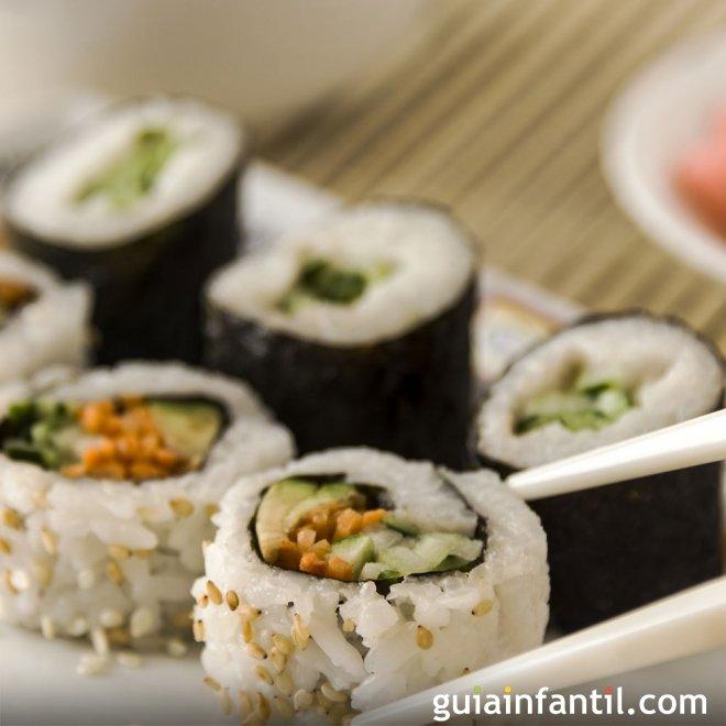 Sushi de salmón, receta fácil para hacer en casa