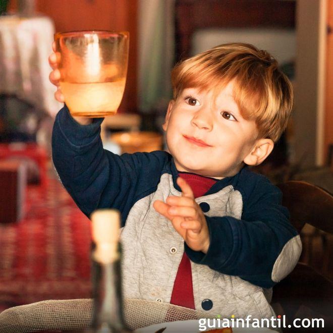 Champán sin alcohol. Un brindis con niños y embarazadas