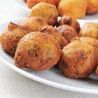 Buñuelos de bacalao sin gluten, receta para niños celíacos