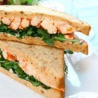 Sándwich de palitos de cangrejo, merienda para niños