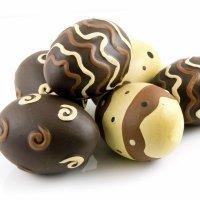 Huevos de Pascua de chocolate. Receta para niños