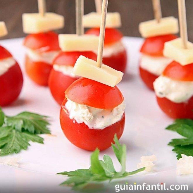Pinchos de tomates cherry a los dos quesos