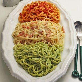 Espaguetis a tres salsas