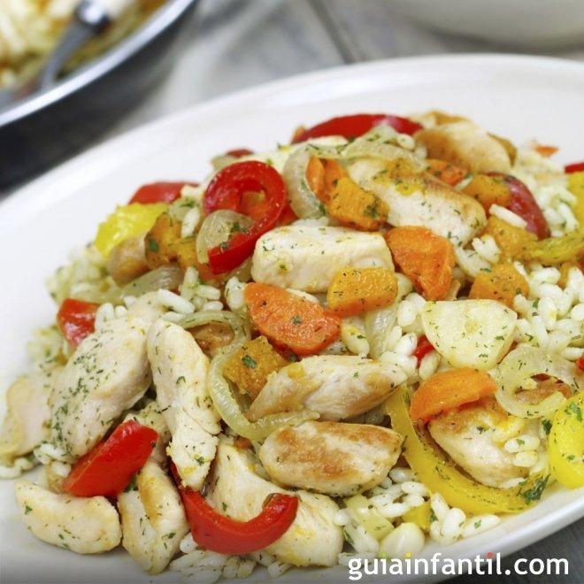 Arroz con verdura y restos de pollo, receta económica