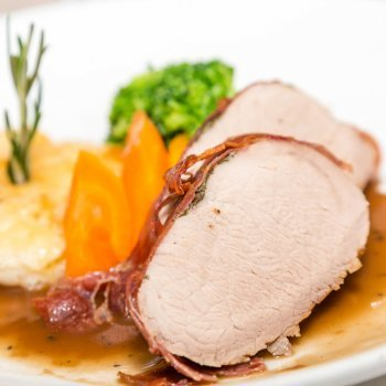 Lomo de cerdo con salsa de verdura