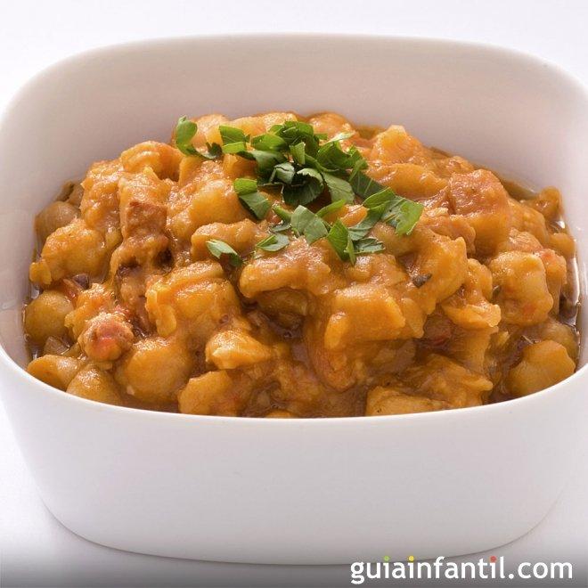 Garbanzos con gambas al curry. Receta con legumbres