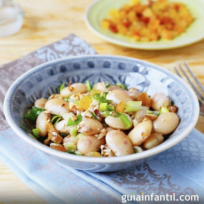Ensalada de alubias con pollo, sana y fresca para el picnic