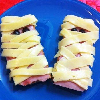Momias de jamón y queso