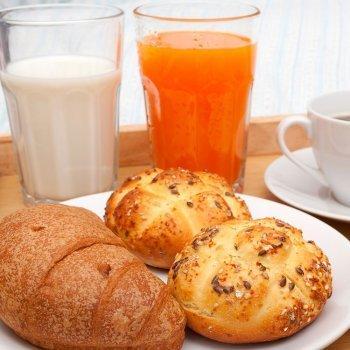 Bollitos de leche con cereales