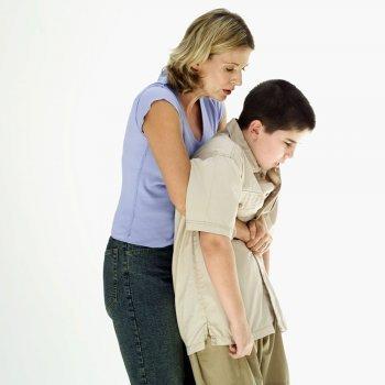 Cómo salvar a un niño en caso de atragantamiento