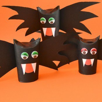 Vampiros cartulinos. Manualidad de Halloween para niños