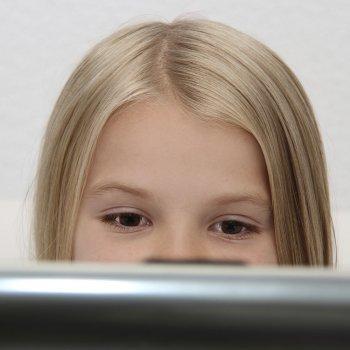 Vídeo sobre el acoso a niños por Internet