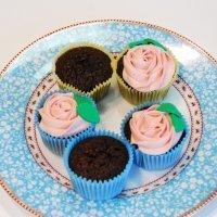Cupcake de rosa con buttercream. Recetas para niños