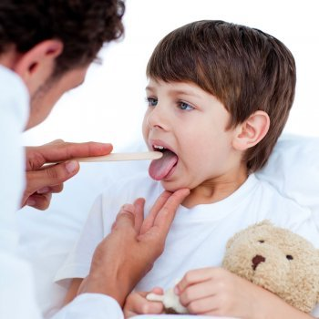 Amigdalitis: dolor de garganta en los niños