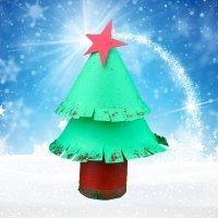 Árbol de Navidad. Manualidad con material reciclado