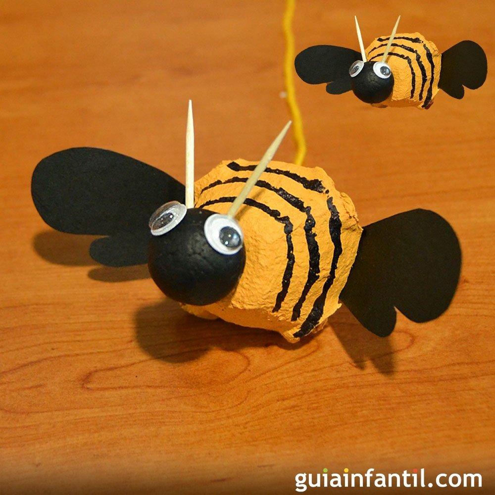 Cómo hacer una abeja zumbona con materiales reciclados