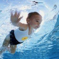 Ventajas en el agua de los bebés mayores de 14 meses