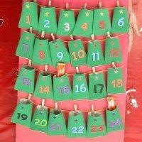 Calendario de adviento con material reciclado