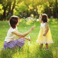 Juegos para niños al aire libre. Jugar en un bosque