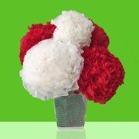 Un ramo de flores con servilletas de papel. Manuliadad infantil