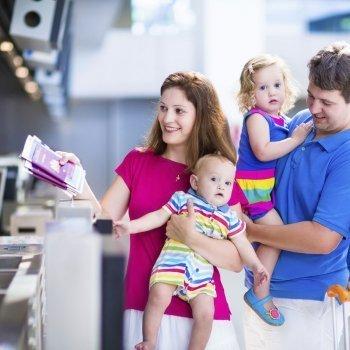 5 consejos para viajar con niños en avión