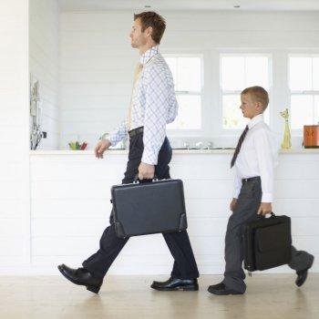 Los niños imitan la conducta de los padres