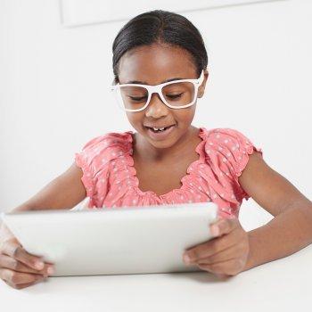 Cómo se trata la hipermetropía en los niños