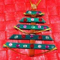 Diferentes manualidades con árboles de Navidad