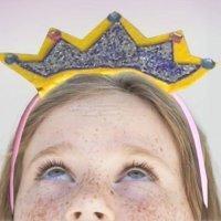 Manualidad de una corona para disfraz de princesa