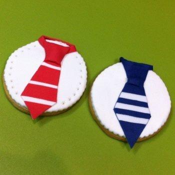 Cómo decorar una galleta con forma de corbata