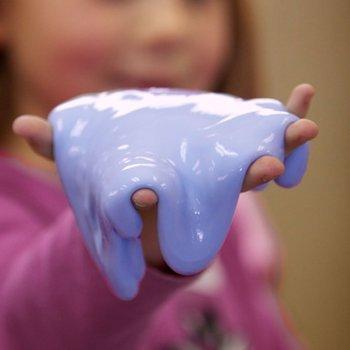 Cómo hacer flubber o masa sensorial con los niños. Experimento infantil