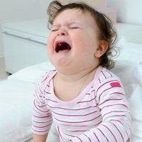 10 errores de padres y madres en el cuidado y crianza del bebé