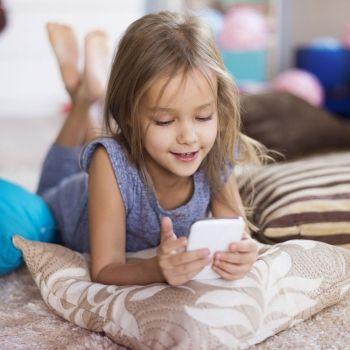 La edad recomendada para que un niño tenga smartphone o tablet