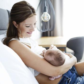 La verdad sobre si la lactancia materna provoca caries en el bebé