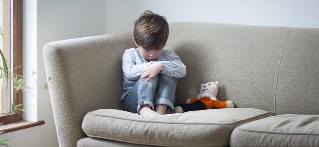 حظر التعبير عن العواطف للاطفال